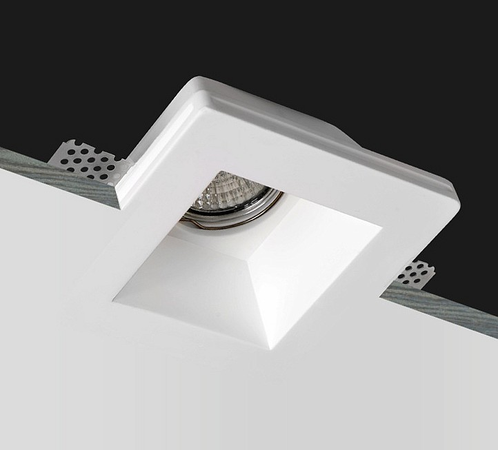 Гипсовый потолочный светильник