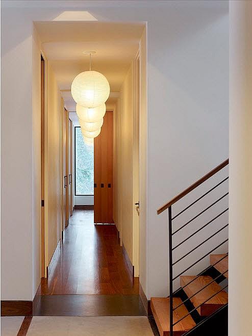 Свет в коридоре